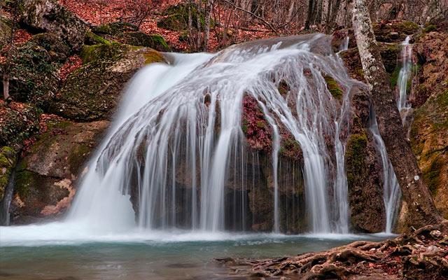 водопад в крыме