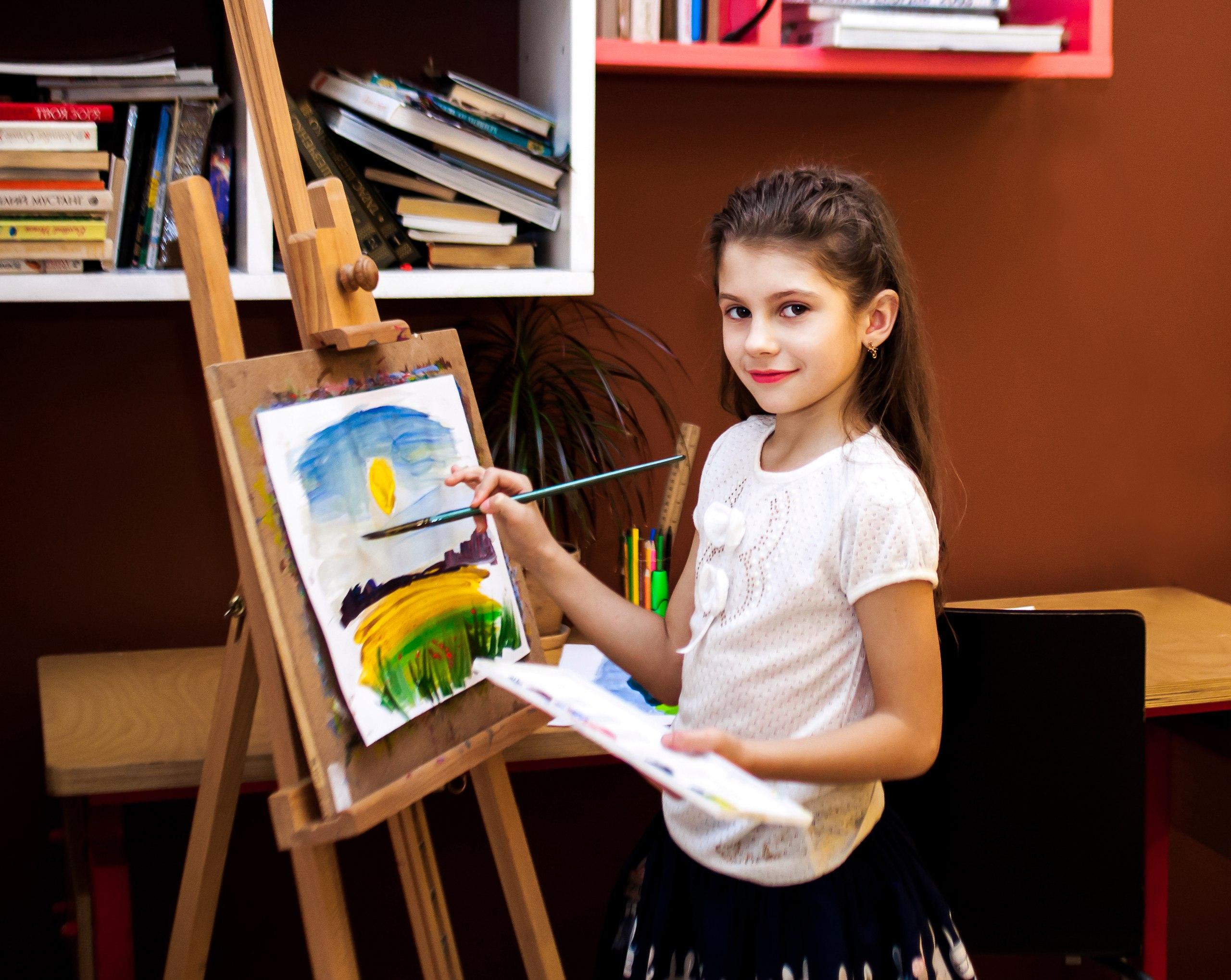 Соком, картинки художник рисует картину для детей